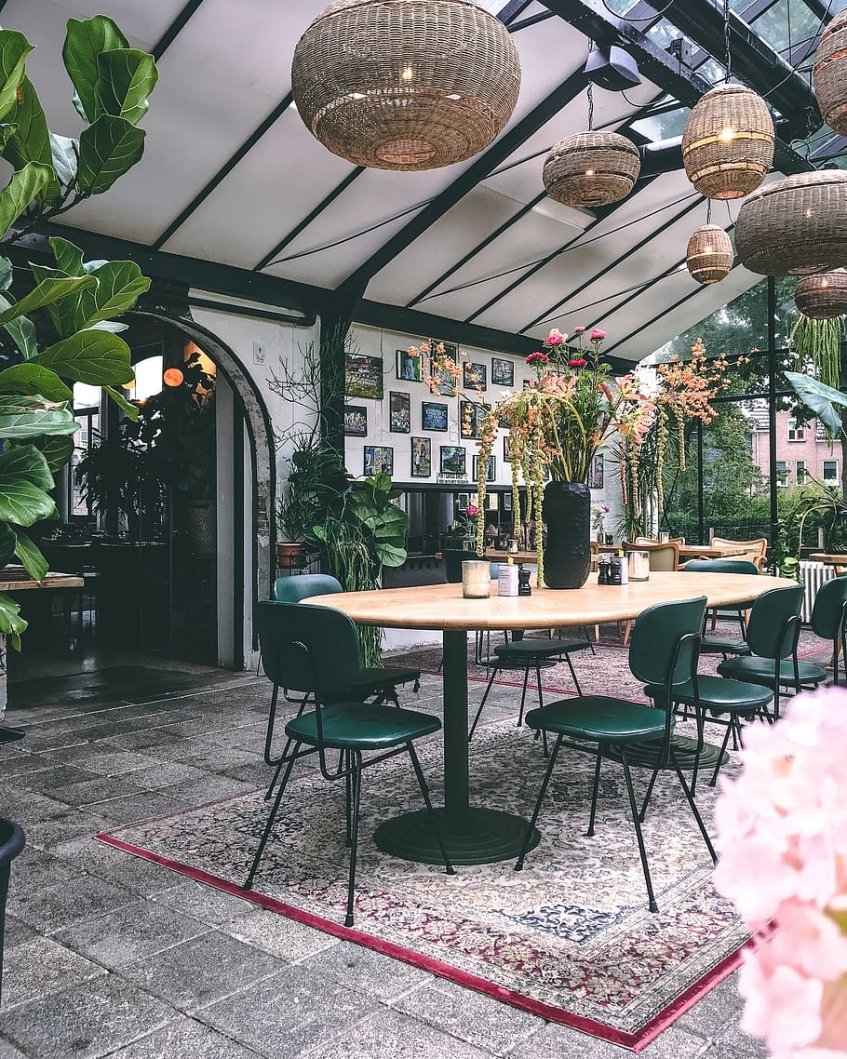 decorar restaurantes con plantas