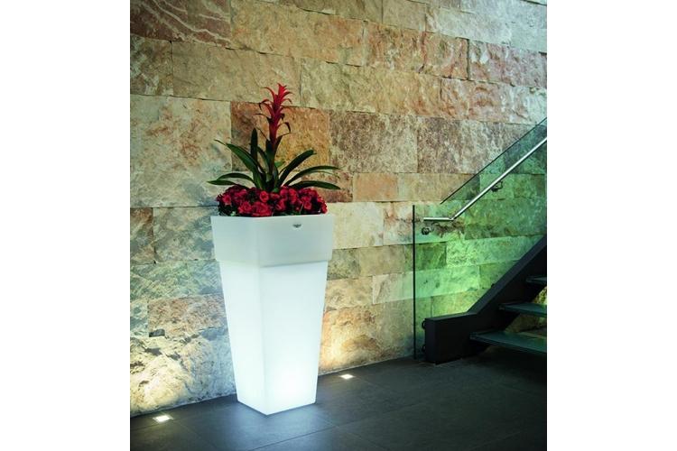 Macetero con luz Giza hotel