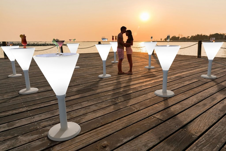 Mesa con luz Margarita exterior