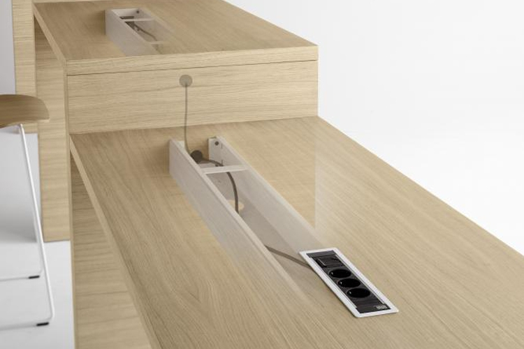 Mesa de diseño Zubi montaje