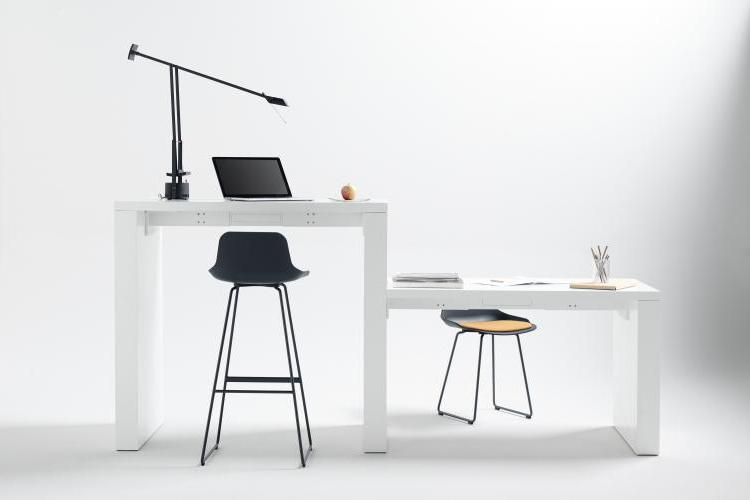 Mesa de diseño Zubi frontal