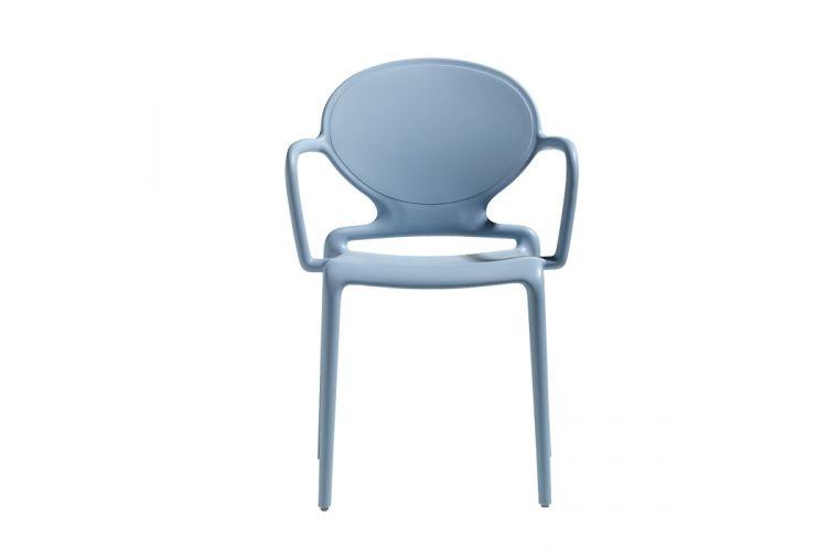 Silla de diseño con brazos azul Gio