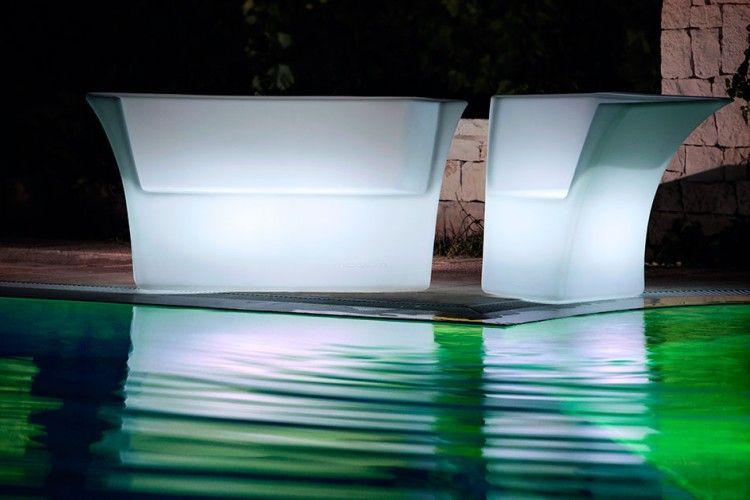 Sofá y silla con luz led cairo