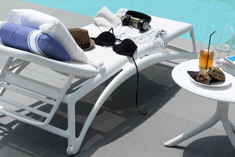 Tumbona de diseño piscina Atlantico