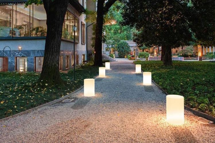 Mesa con luz Tunisi exterior