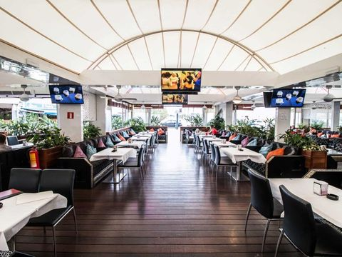 proyecto restaurante mesas interior
